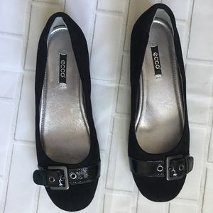 ECCO Black Suede round toe ballet flats Size 39